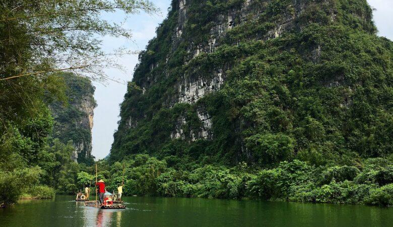 Bamboo-Rafting auf dem Yulong River