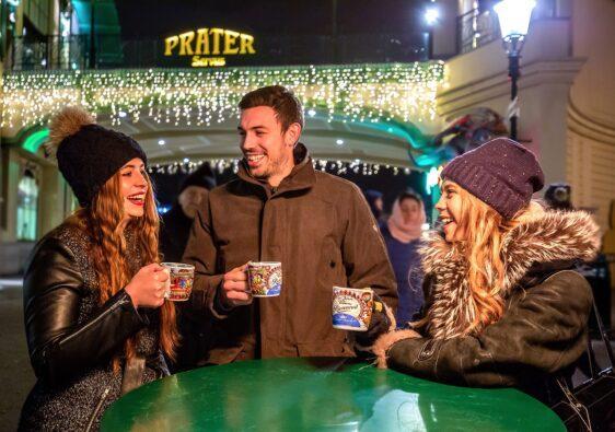Wiener Prater zur Weihnachtszeit - Hier kann man eine Glühwein Tour machen.